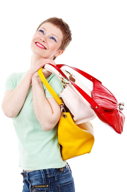 57e8dd474e4fad0bffd8992cc22e367e1522dfe054527048702c7cd6 640 - How To Shop For Budget Jewelry And Still Look Great